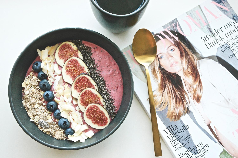 Raspberry & Banana Smoothie Bowl